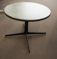 Lite loungebord fra Arper i sort, Ginger Ø=60 H=48, Design: Jean-Marie Massaud, pent brukt