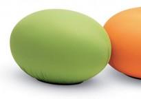 Morsom puff fra Baleri Italia, modell Tato i grønt stoff, pent brukt