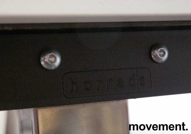 Skrivebord med elektrisk hevsenk i hvitt / krom fra Horreds, 160x80cm, pent brukt understell med ny plate bilde 3