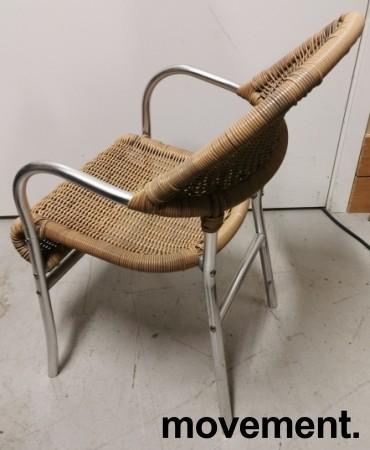 Kafestol / utestol i rotting / aluminium med armlener, pent brukt bilde 2