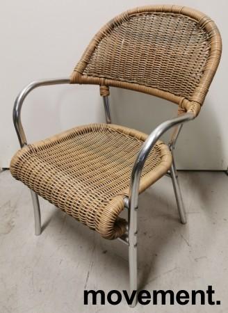 Kafestol / utestol i rotting / aluminium med armlener, pent brukt bilde 1