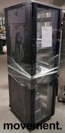 Toten rackskap / patcheskap for 19toms utstyr, 42units, 205cm høyde, godt brukt bilde 1
