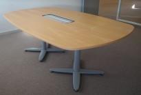 Møtebord i bøk, Kinnarps T-serie, 200x120cm, passer 6-8personer, pent brukt