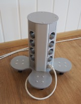 IDT Portabel grenstav / skjøteledning for kontor med 4x4 stikk, pent brukt