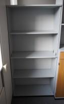 Bokhylle / ringpermreol i lys grå fra Kinnarps, E-serie, 4 permhøyder, bredde 80cm, høyde 164cm, pent brukt