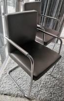 Konferansestol fra Bene, modell Dexter i grått skinn / krom, pent brukt