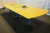 Kinnarps E-serie konferansebord / møtebord i bøk / grått understell, 340x120cm passer 10-12 personer, pent brukt