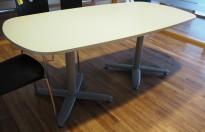 Kompakt møtebord i lys grå, Kinnarps T-serie, 180x90cm, passer 6personer, pent brukt