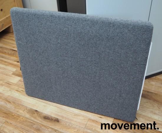 Götesons bordskillevegg 80x67cm i grått stoff. Pent brukt bilde 1