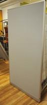 Skillevegg fra Kinnarps, modell Rezon i grått, 100cm bredde, 190cm høyde, pent brukt