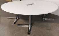 Rundt møtebord / konferansebord fra Materia i hvitt / krom Ø=240cm, Centrum-serie, pent brukt