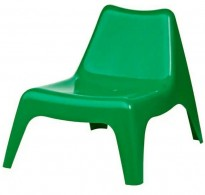 Loungestol i grønn plast fra Ikea, modell PS Vågø, pent brukt