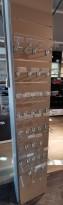 Butikkinnredning: Piggvegg / rillepanel for veggmontering, 37x220cm, pent brukt