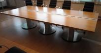 ForaForm konferansebord / møtebord i eik / grått understell, 330x150cm passer 10-12 personer, pent brukt