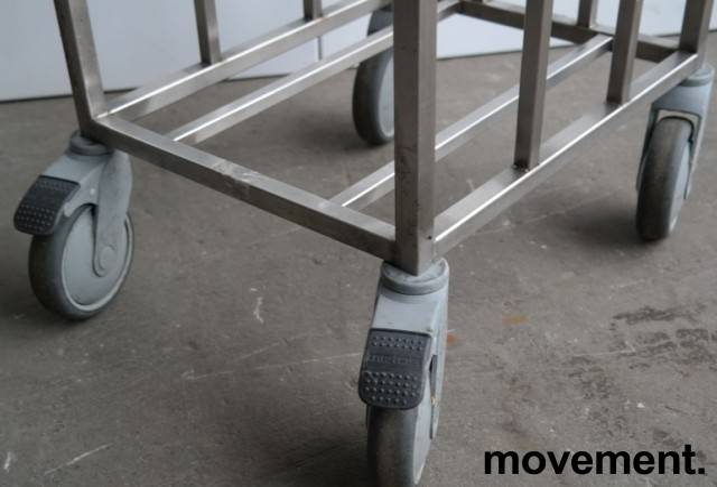 Tralle for kantinebrett i rustfritt stål fra Metos, pent brukt bilde 2