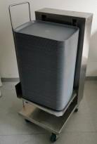 Brettdispenservogn for kantinebrett, med ca 100stk kantinebrett, pent brukt