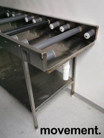Rullebane / rullebenk i rustfritt stål for oppvask, 170cm bredde, pent brukt bilde 4