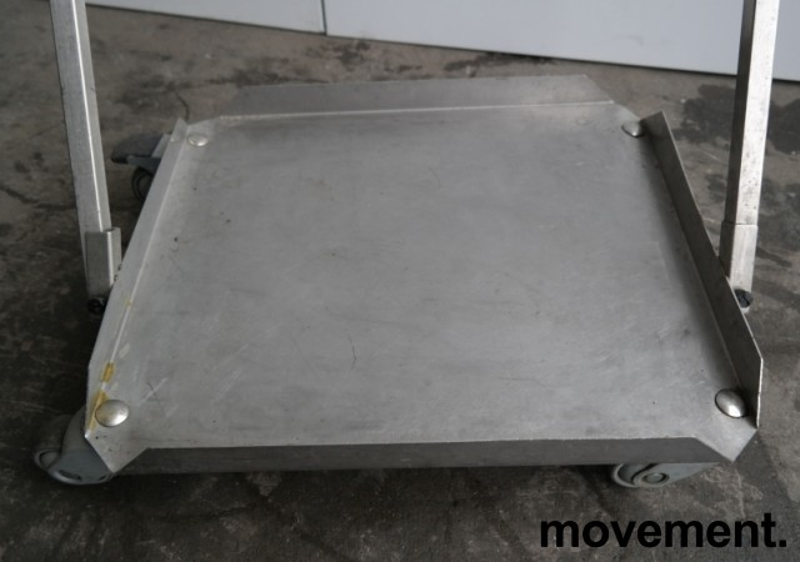 Tralle med bøylehåndtak i rustfritt stål, 51x45cm, høyde håndtak 68cm, brukt bilde 3