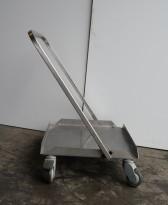 Tralle med bøylehåndtak i rustfritt stål, 51x45cm, høyde håndtak 68cm, brukt