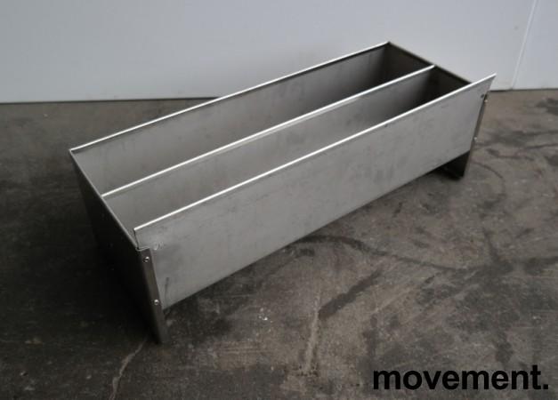 Spritrack / flaskestativ i rustfritt stål, 54x21cm, høyde 20cm, for oppheng på vegg e.l., pent brukt bilde 3