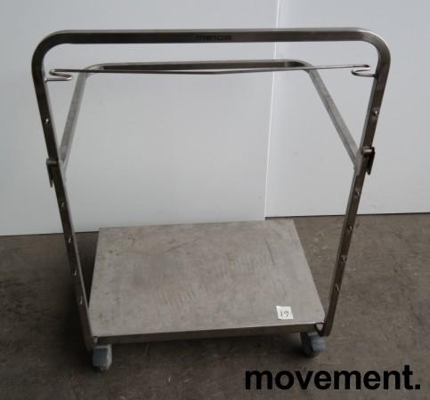 Tralle med bøylehåndtak i rustfritt stål, justerbart stativ for skittentøysekk e.l., 70x60cm, høyde håndtak 104cm, pent brukt bilde 6
