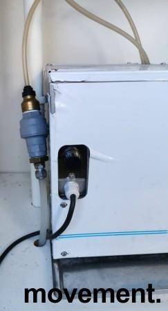 Vanndispenser for montering i benkeplate med avløp, med kjøleaggregat, pent brukt bilde 6
