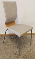 Konferansestol fra EFG i eik finer / grått stoffsete og ryggpute / grå ben, modell GRAF, pent brukt