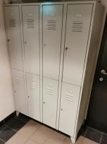 Garderobeskap i grålakkert stål 8 rom / 2 høyder, lysegrått, 120cm bredde, pent brukt