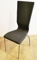 Konferansestol fra EFG HovDokka i grått stoff, grå ben, høy rygg. modell GRAF, pent brukt