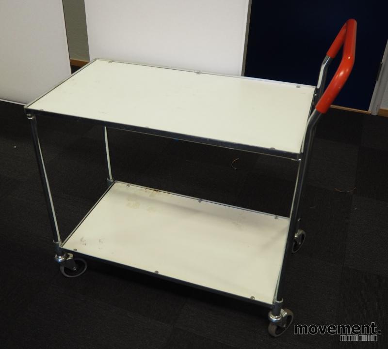 Tralle / trillebord i stål/hvit laminat / trillevogn, med 2 hylleplan, 80x44cm, pent brukt
