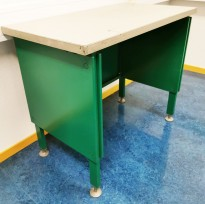 Lite, retro, miniskrivebord / printerbord, grønnlakkert stål, grå bordplate, 80x44cm, 66,5H, pent brukt