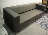 Loungesofa fra Kinnarps, modell PIO 3-seter, nytrukket i gråmelert ullstoff, 203cm bredde, NYTRUKKET