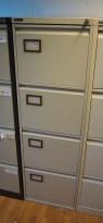 Arkivskap for hengemapper fra Triumph i lys grå, 4 skuffers, 41cm bredde, høyde 132cm, pent brukt
