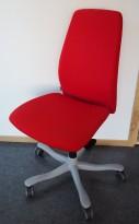 Kontorstol: Kinnarps 5000-serie i rødt stoff, grått kryss, pent brukt