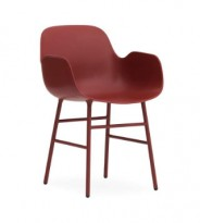 Lekker armstol fra Normann Copenhagen, modell Form i rød/stål, pent brukt