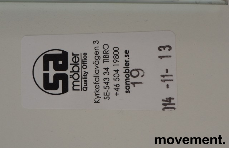 Skrivebord med elektrisk hevsenk i hvitt fra SA Møbler, modell Snitsa, 164x82cm, pent brukt bilde 4