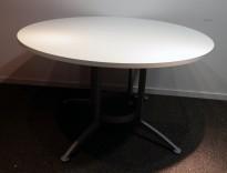 Rundt møtebord / konferansebord / kantinebord i hvitt / grått fra Kinnarps, modell Asto, Ø=120cm, pent brukt understell med ny plate