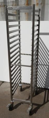 Brettralle / brettvogn med 18 hyller for kantinebrett / stekebrett, 33x55, brukt bilde 1