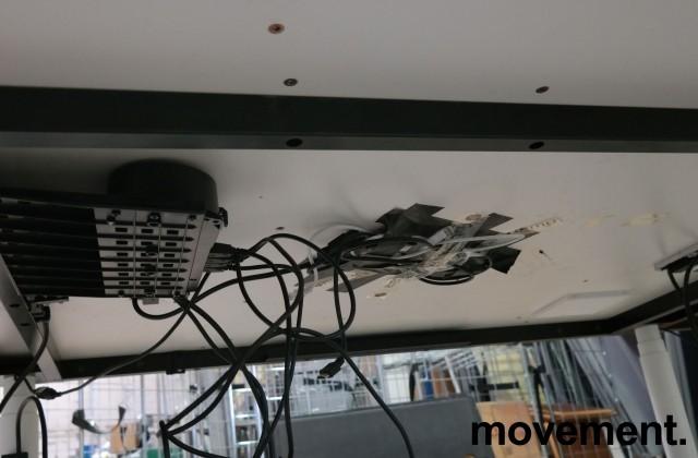 Møtebord med elektrisk hevsenk fra Vitra i hvitt, 240x140cm, modell Tyde, design: Ronan & Erwan Bouroullec, pent brukt bilde 3