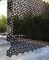Abstracta Airflake lyddempende, akustisk skillevegg / romdekorasjon i sort, ca 280x270cm, pent brukt