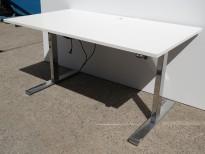 Skrivebord med elektrisk hevsenk i hvitt / krom fra Linak, 140x80cm, pent brukt