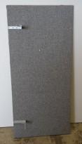 Bordskillevegg / skjermvegg for skrivebord fra Edsbyn, grått stoff, 140x65cm, pent brukt
