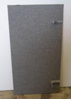 Bordskillevegg / skjermvegg for skrivebord fra Edsbyn, grått stoff, 120x65cm, pent brukt