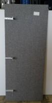 Bordskillevegg / skjermvegg for skrivebord fra Edsbyn, grått stoff, 160x65cm, pent brukt
