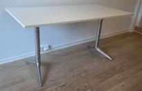 Barbord / ståbord i hvitt / polert aluminium fra EFG, 180x80cm, høyde 92cm, pent brukt understell med ny plate
