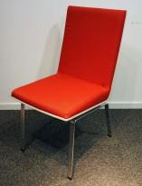Konferansestol fra EFG, modell Woods i rødt stoff / bjerk finer / krom ben, pent brukt