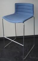 Arper Catifa barkrakk i blått stoff / krom, 77cm sittehøyde, pent brukt