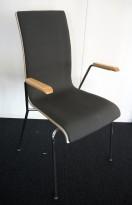 Konferansestol / stablestol i hvitt / mørkt grått stoff / krom, armlene i bøk, RBM Bella, pent brukt