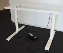 Understell for skrivebord med elektrisk hevsenk i hvitlakkert metall, teleskop, passer plater 120cm og større, pent brukt