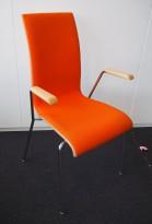 Konferansestol / stablestol i hvitt / oransje stoff / krom, armlene i bøk, RBM Bella, pent brukt